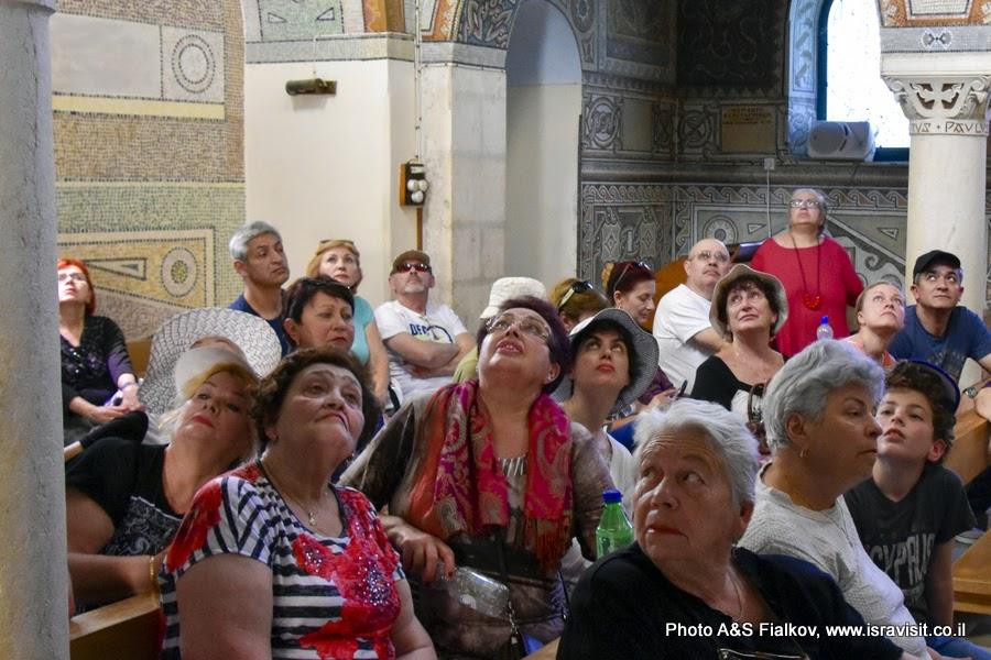 На экскурсии гида в Израиле Светланы Фиалковой в церкви св. первомученика Стефана в монастыре Бейт Джамаль.