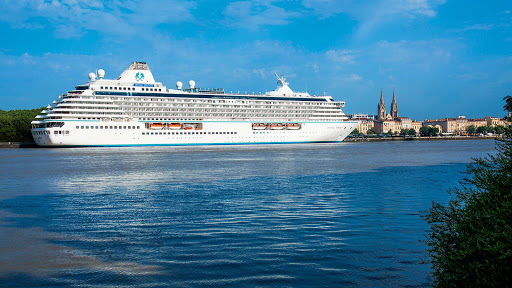 crystal-serenity-in-bordeaux.jpg - Crystal Serenity in Bordeaux in southwestern France.