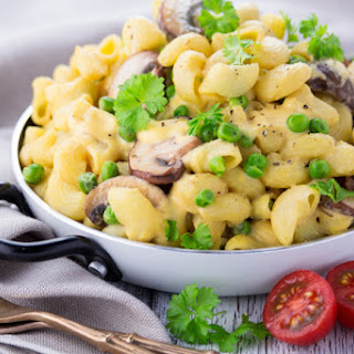 Vegan Mac and Cheese with Mushrooms and Peas