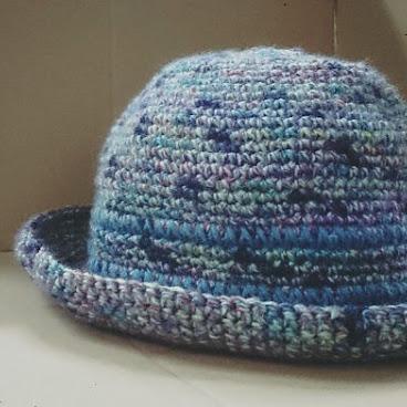 ·彩色手鉤帽.