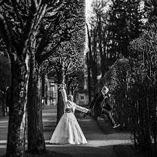 Wedding photographer Maksim Lobikov (MaximLobikov). Photo of 01.12.2018