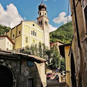 Ala (Trentino, Italia) by Felipe Mairowski - City,  Street & Park  Historic Districts ( church, landscape, historical city )