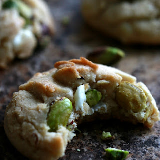 White Chocolate & Pistachio Cookies Recipe