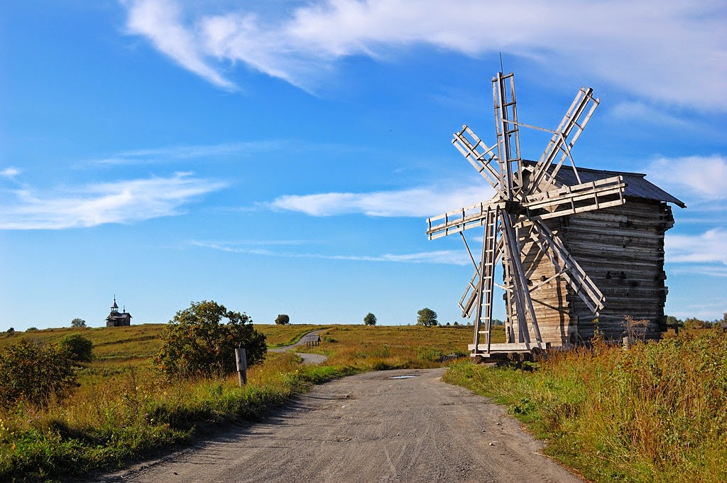 Кижи – Деревянная ветряная мельница