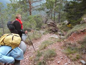 Photo: Après le coll de la Fillola on prend le joli sentier en courbe de niveau vers le Mas dels Horts