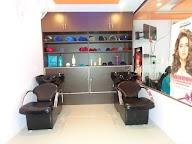 Stunning Unisex Salon & Spa photo 2