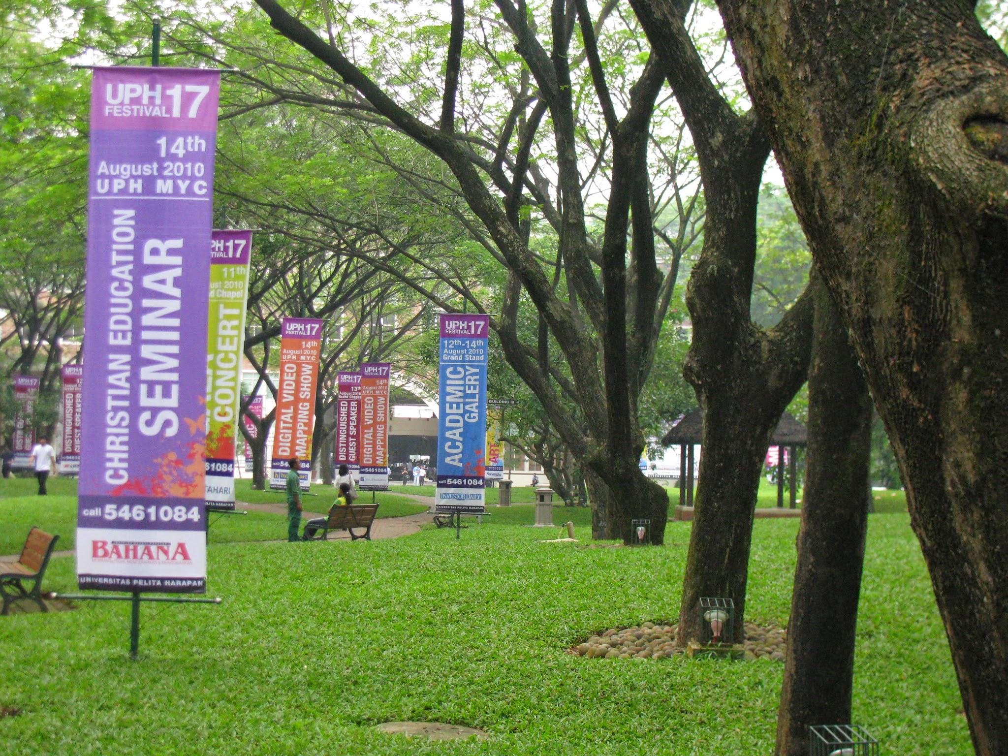 Photo: August 5 (Thursday) visited Pelita Harapan University and flied to Surabaya