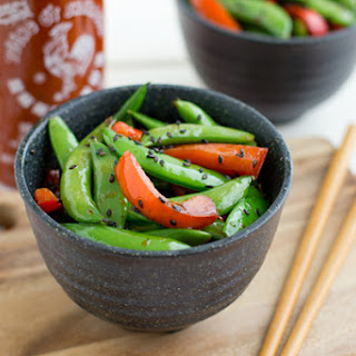 Sriracha Snap Peas with Red Pepper