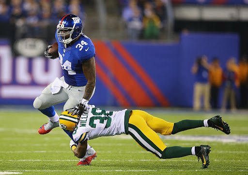 Brandon Jacobs Joins Comeback Club… Former RB Looking At DE Position Change