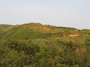 Photo: Der Südosten der Insel ist voller Eisenvorkommen, die in den Minen nach wie vor abgebaut werden.