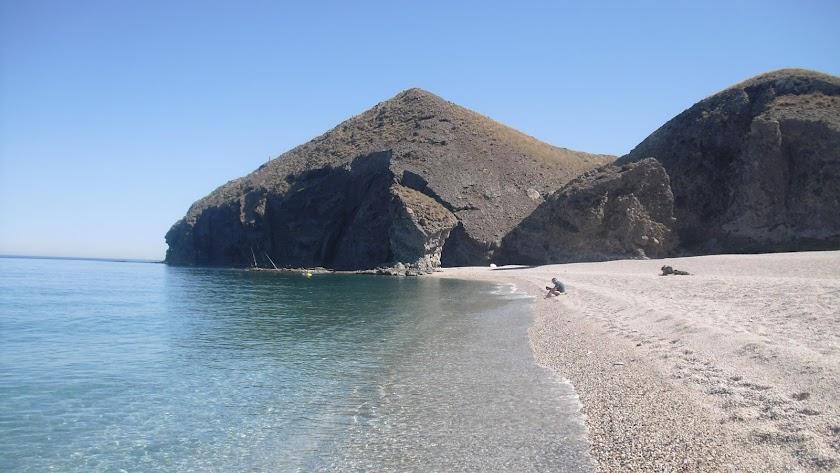 La Playa de los Muertos, considerada la mejor de España (aunque no para todo el mundo).