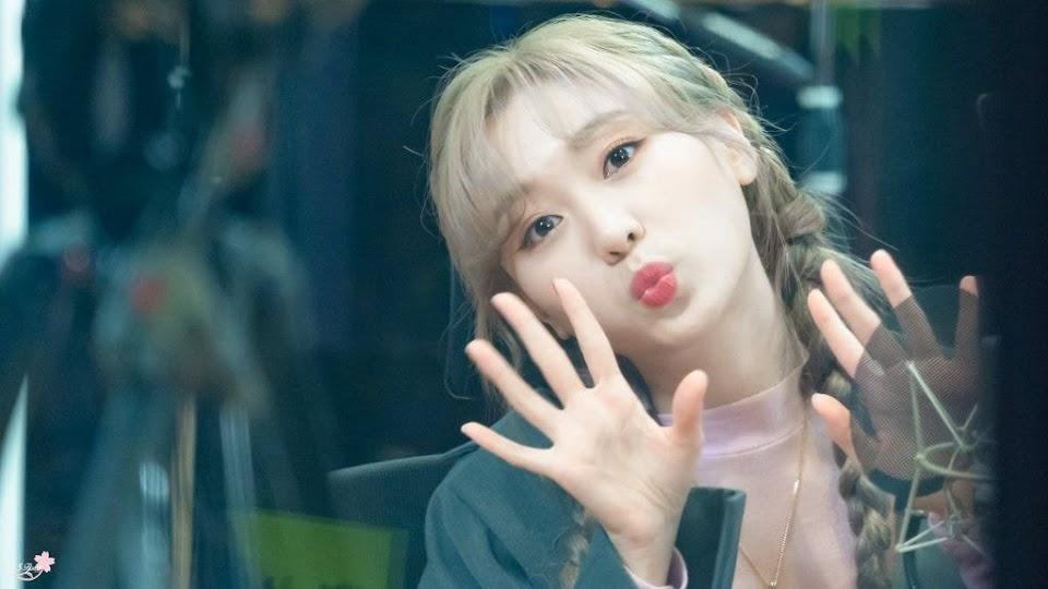 lovelyz sujeong mc4