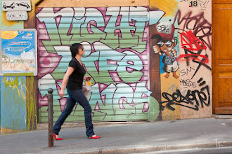 Photo: Surveillance rapprochée   #StreetArtSunday curated by +Luís Pedro & +Peter Tsai & +Mark Seymour
