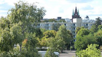 Photo: Mauerpark; Blick über Gesundbrunnen, Friedenskirche des Hl. Sava