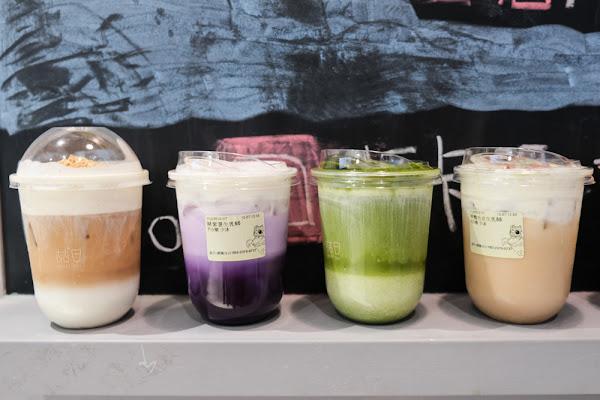 喆日茶飲 南陽店,紫薯/脆脆花生生乳都好喝 聖誕節期間限定醜毛衣生乳!
