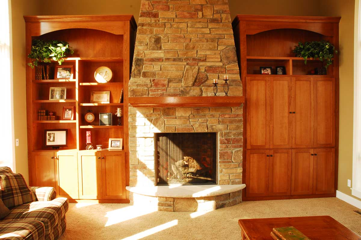 2_custom_living_room_cabinets_Ch.jpg