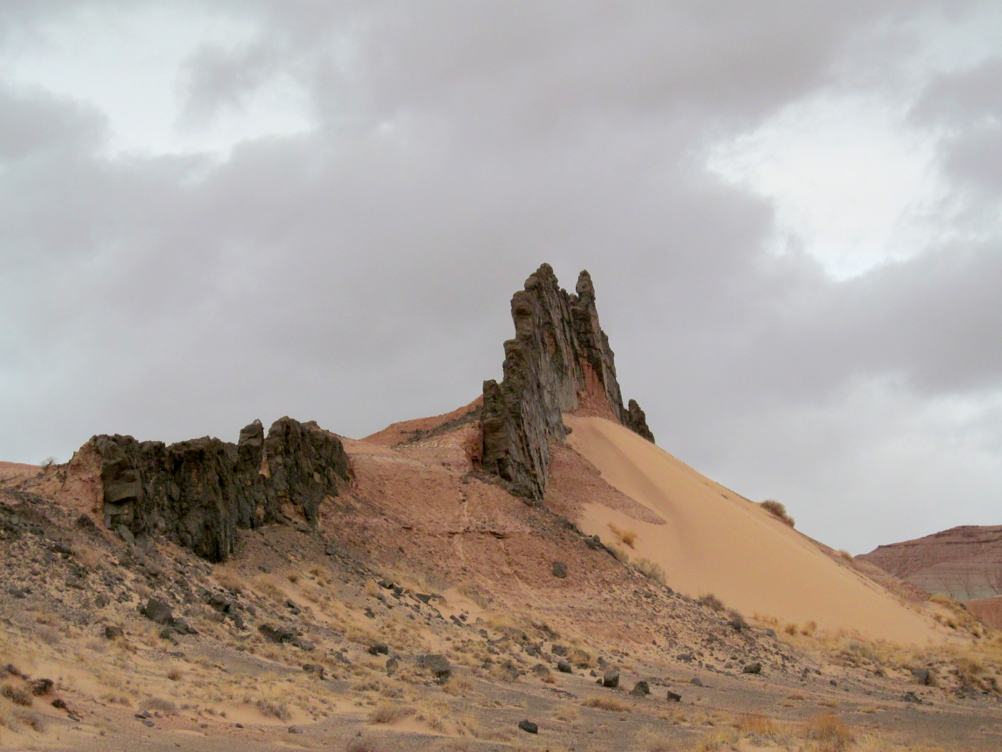 Photo: Volcanic dike at Mussentuchit Flat
