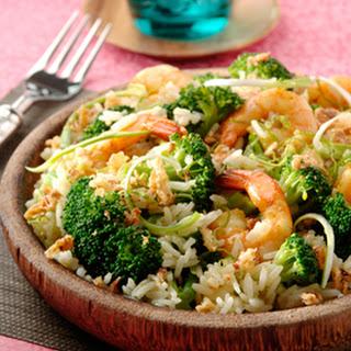 Rijst- En Garnalensalade Met Uitjes