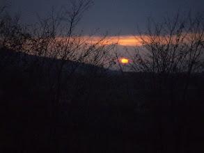 Photo: A naplemente a Sabar-hegyi templomromnál ért utol.
