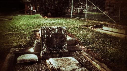 st-bartholomews-church-cemetery-fantasmas-cementerio-san-bartolome-prospect-australia