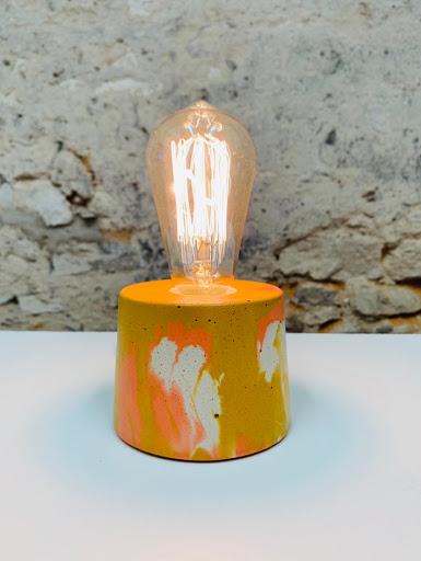 luminaire béton marbré coloris orange et jaune