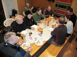 Photo: Illalla ruokailtiin yhdessä Takkatuvalla.