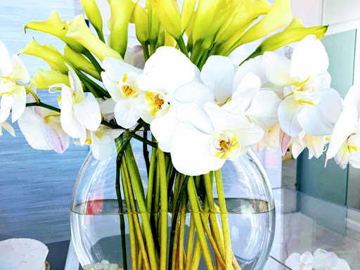 Event floral Las Vegas!  By Dzign is the source for all your planning and rental needs.