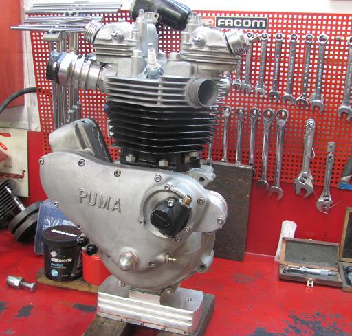 Bill Carbu  Triumph Pré-Unit engine make by Machines et Moteurs.