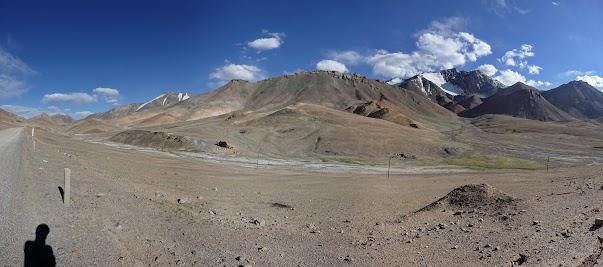 Diese Berge sind um die 5000 m hoch.