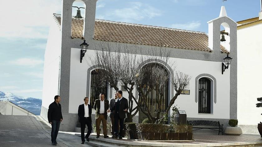 Javier A. García, presidente de la Diputación Provincial, en su visita al municipio de Lúcar.