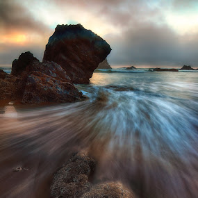 Seal Rock Rush by Zach Blackwood - Landscapes Waterscapes ( clouds, water, oregon, sunset, long shutter, movement, weather, ocean, rocks, coast )