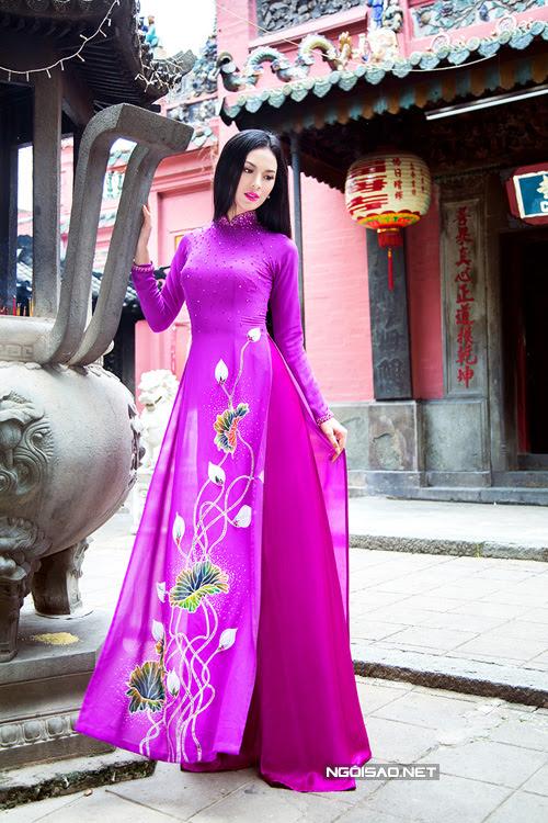 thuê áo dài nữ hoa sen
