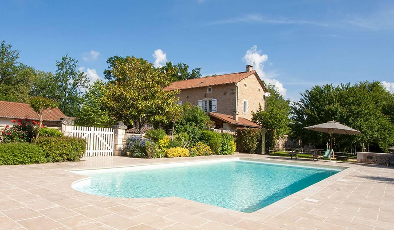 Maison avec piscine et jardin Saint-Saud-Lacoussière