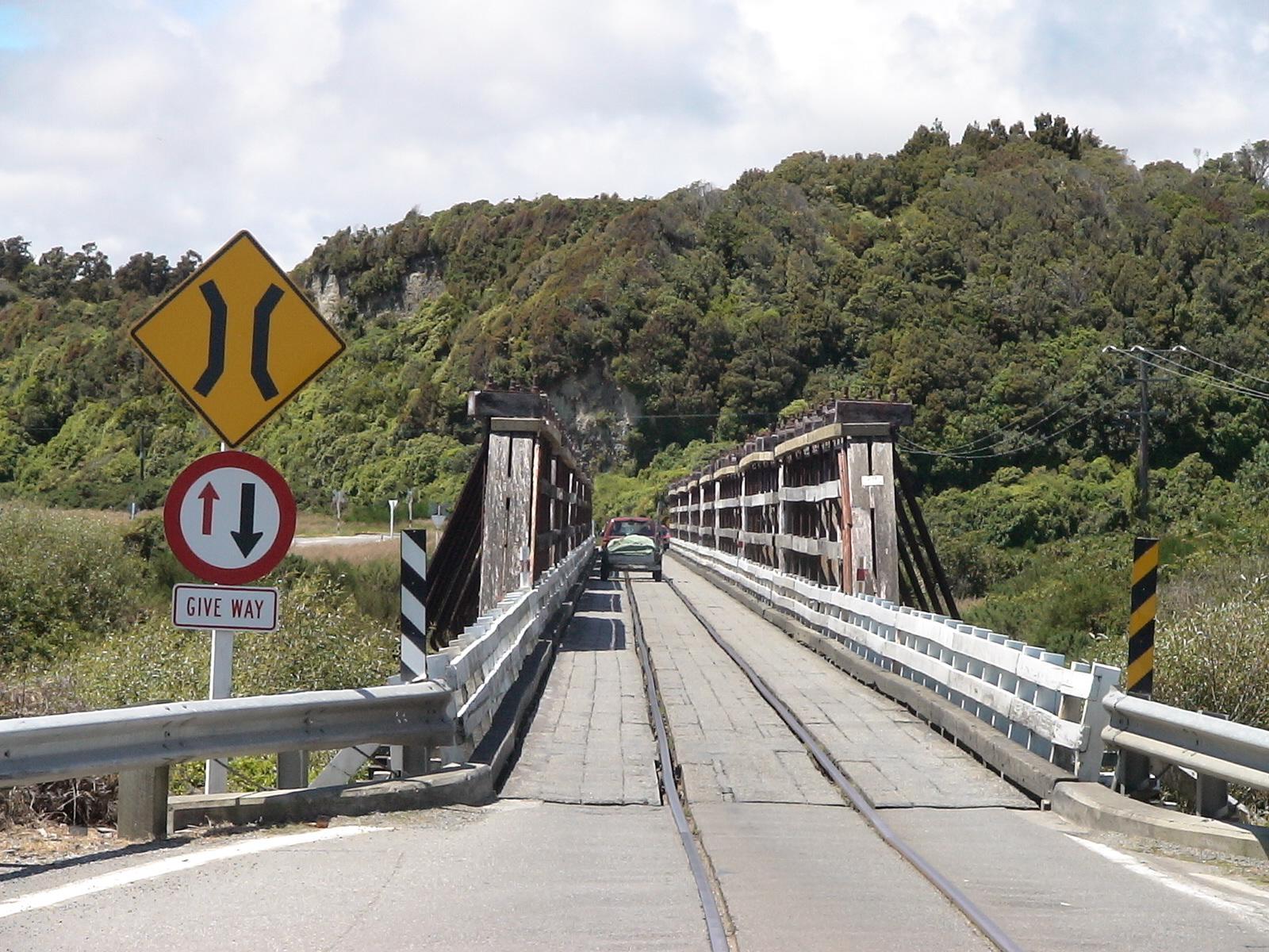 """Photo: der """"Highway"""" im Süden"""