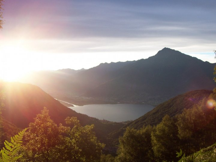 Alba sul lago di Como di nikokvfrmoto