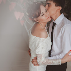 Wedding photographer Kristina Kotova (Sharlotka). Photo of 04.04.2014