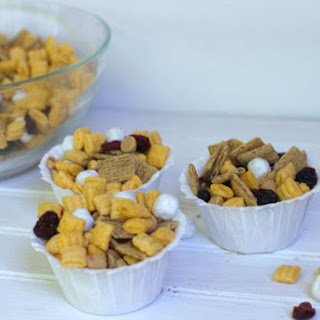 PB & J Snack Mix