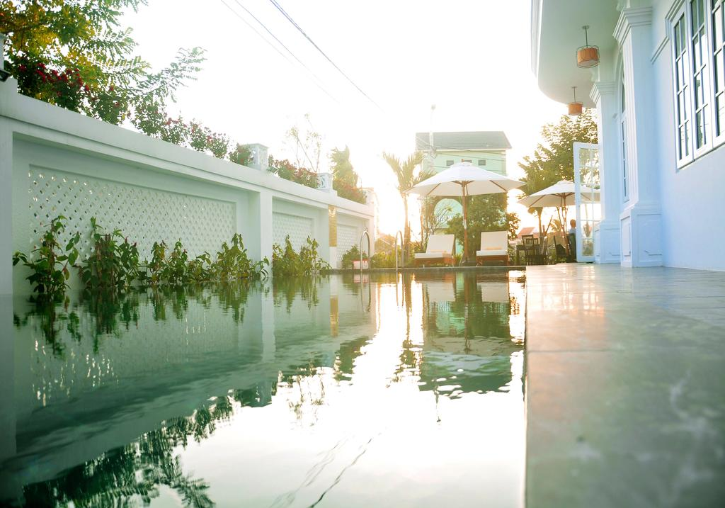 hotels with pools in Hoi An