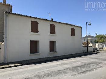 maison à Courçon (17)