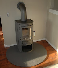 Photo: Brændeovnen var der også rift om, da den var godkendt og Svend havde indhentet papirerne på den.