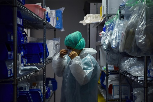 Virus pushes US hospitals to the brink, India hits record new cases