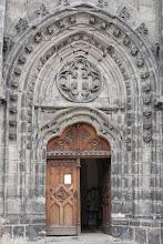 Photo: Vstup do kostela Nanebevzetí Panny Marie