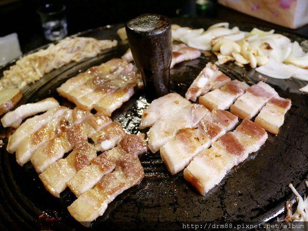 三角三韓國道地烤肉~東區延吉必吃的韓國烤肉店/專人服務/CP值高