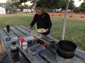 Photo: 7:20 Uhr: Frühstücksvorbereitungen