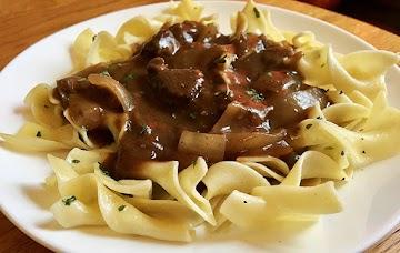~ Tender Beef & Gravy Over Buttered Noodles ~ Recipe