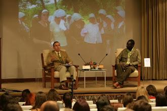 Photo: XIII Jornada Internacional de Comunicación Siglo XXI ¿Cómo salir juntos de la crisis? General Díez de Villegas y el presentador Agustín Ndbour