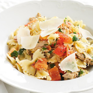 Pasta with Tuna, Chilli, Tomatoes and Parsley Recipe