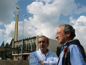 """Photo: Dos buenas """"Proas"""" o """"hermosas cayoncas"""": Froilán Cortés y Andrés M.Trapiello"""