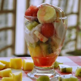 Greek Yogurt Fruit Salad Cup.