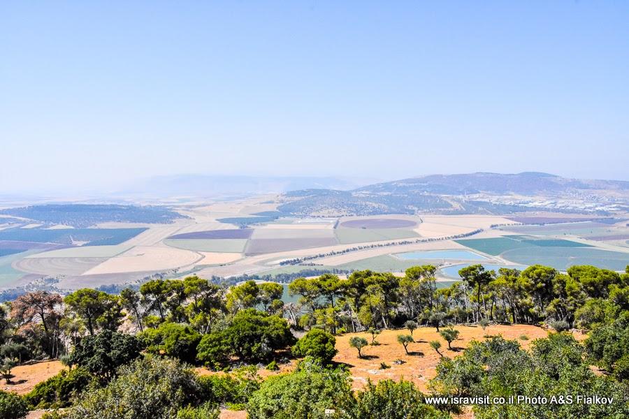 Пейзаж Нижней Галилеи. Экскурсия по Святым местам. Израиль.